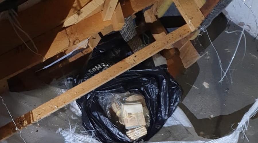 Imagem: a592d17f 8631 4822 98c8 0cf9e72df379 Escrivã 'ad hoc' é presa após furtar drogas de Delegacia
