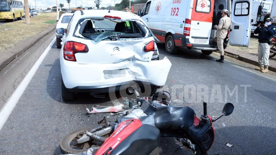 Imagem: acidente br364 atendimento samu foto varlei cordova 4 Dois ficam feridos após acidente envolvendo carros e motos na rodovia