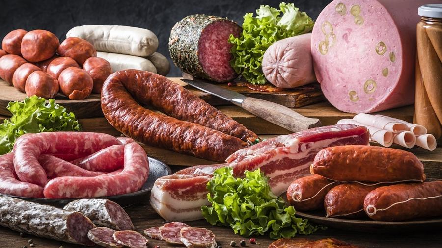 Imagem: alimentos embutidos gordura satunada foto banco de imagem Confira os alimentos que devem ser evitados | Agora Gourmet