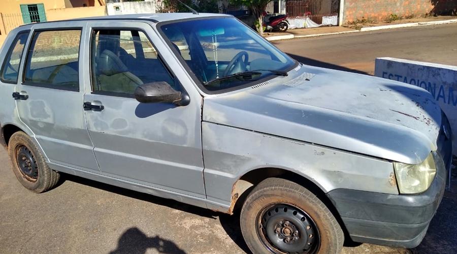 Imagem: carro apreendido Casal de adolescentes é apreendido e jovem preso após roubo a sítio