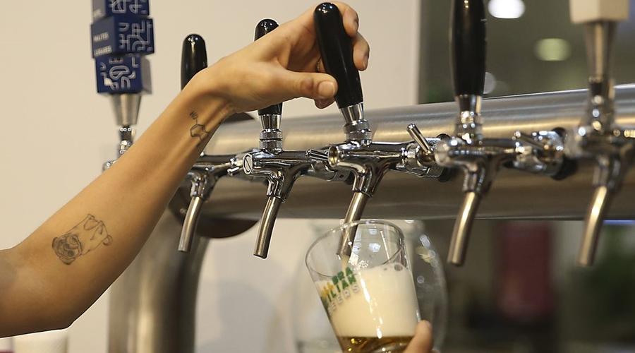 Imagem: cerveja artesanal jose cruz agencia brasil Número de cervejarias registradas no pais aumentou 14,4% em 2020