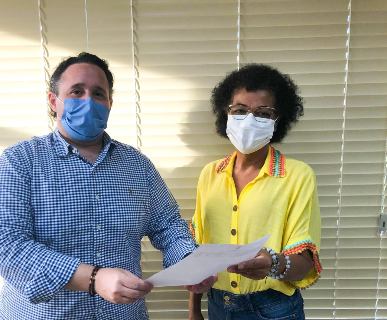 Imagem: diretor juridico cresci alex veira e ozenira felix foto divulgacao Creci reivindica prioridade na vacinação contra Covid para corretores de imóveis