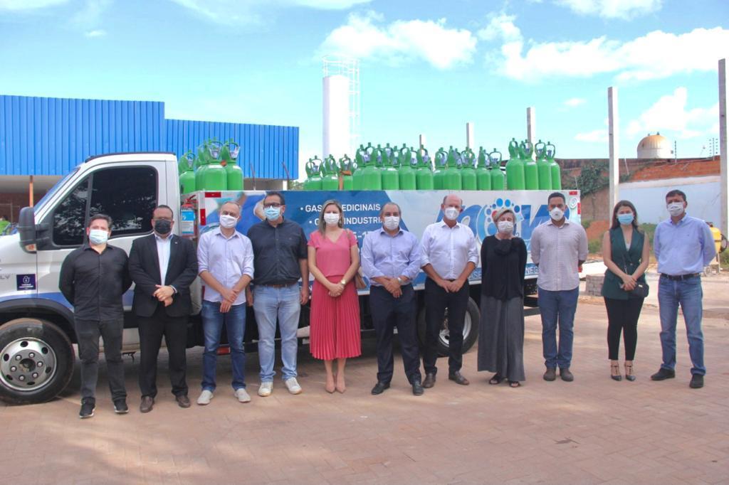 Imagem: entrega cilindros oxigenio 1 'Oxigênio Solidário' arrecada R$ 1,13 milhão em cilindros e carga