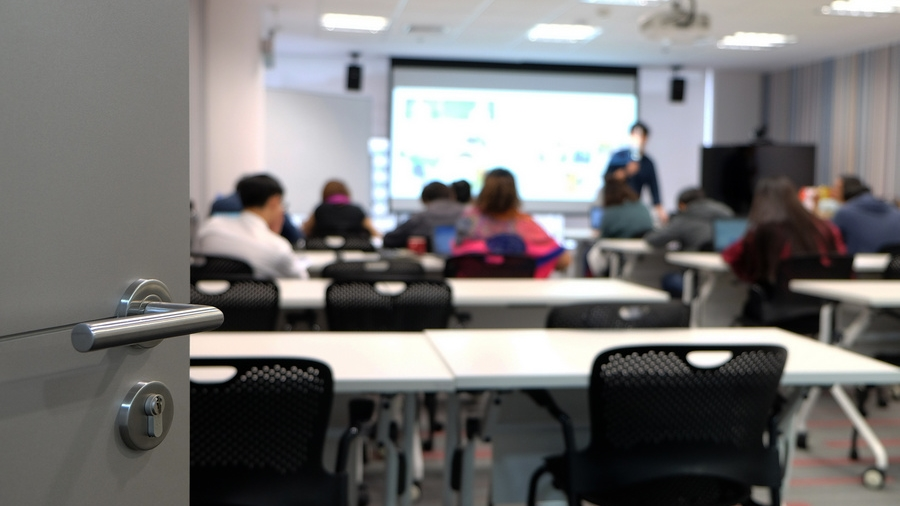 Imagem: estudante aula escola educacao banco de imagens Educação na América Latina registra retrocesso de, pelo menos, oito anos