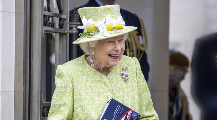 Imagem: rainha elizabeth Rainha Elizabeth 2ª toma segunda dose da vacina
