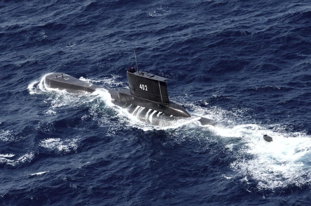 Imagem: submarino kri nanggala indonesia foto java oriental eric ireng ap Indonésia corre contra o tempo para achar submarino com 53 tripulantes