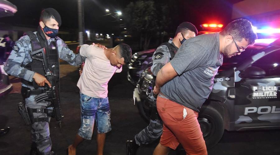 Imagem: suspeitos presos Cinco são presos e mais de 15 kg de droga são apreendidos