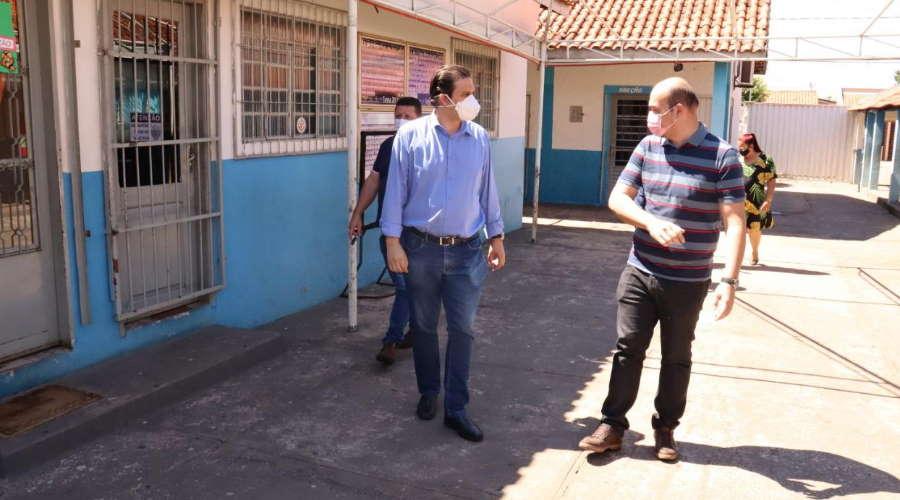 Imagem: tiago S escola Thiago Silva anuncia recurso de emenda parlamentar para Escola da Vila Operária
