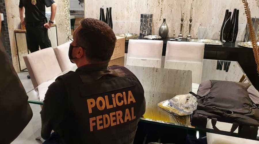 Imagem: whatsapp image 2021 04 27 at 07.37.47 PF cumpre mandados em Rondonópolis contra tráfico sexual