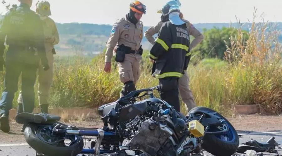 Imagem: 1408 PRF aposentado morre após acidente de moto em rodovia