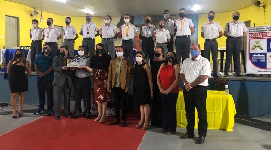 Imagem: Alunos da escola militar Escola Tiradentes de Rondonópolis fica em primeiro lugar na Olimpíada Nacional