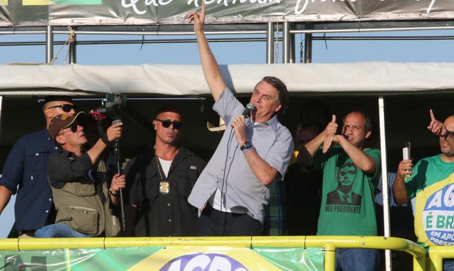 Imagem: Bolsonaro ato Bolsonaro participa de manifestação de agricultores e religiosos