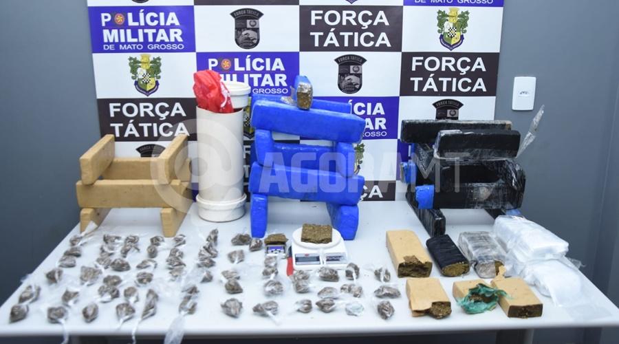 Imagem: Droga apreendida pelo Grupo Car Força Tática apreende grande quantidade de droga no bairro Lucia Maggi