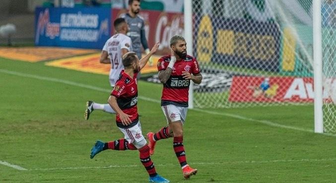 Imagem: Flamengo 1 Flamengo derrota o Fluminense e conquista título do Cariocão