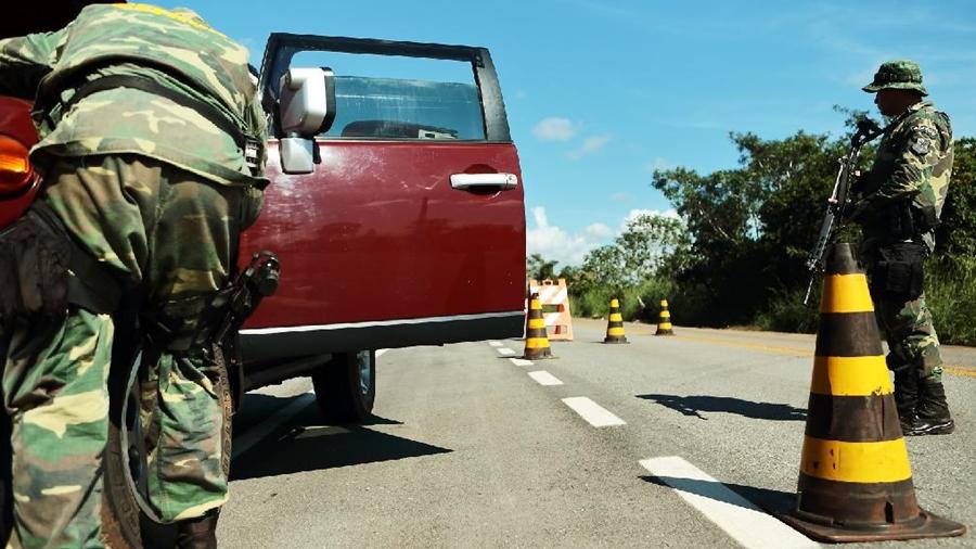 Imagem: Gefron carro recuperado Gefron recupera em média um carro por dia na fronteira