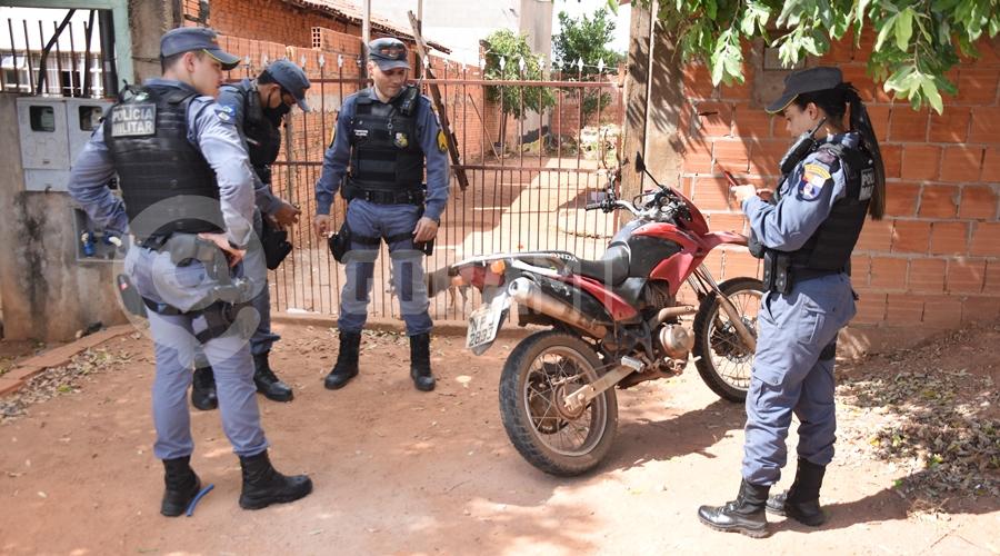 Imagem: Moto usada no crime de roubo PM realiza perseguição e prende ladrão com extensa ficha criminal após cometer roubo