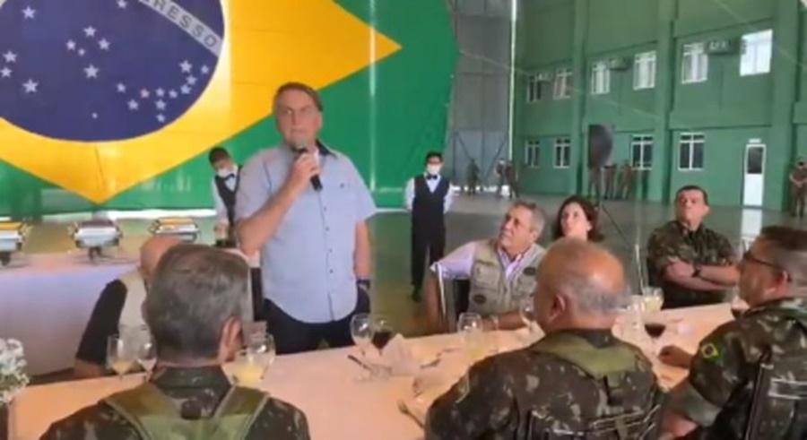 Imagem: PRESIDENTE Bolsonaro faz ameaças e diz que usará Forças Armadas contra restrição