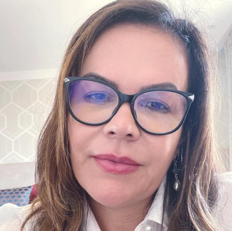 Imagem: Valnice Silva dos Santos 25 de maio - Dia Nacional de Adoção