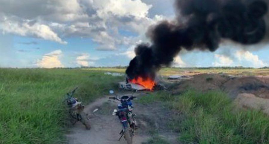 Imagem: aVIAO CAI Aeronave cai e quatro pessoas que estavam a bordo morrem