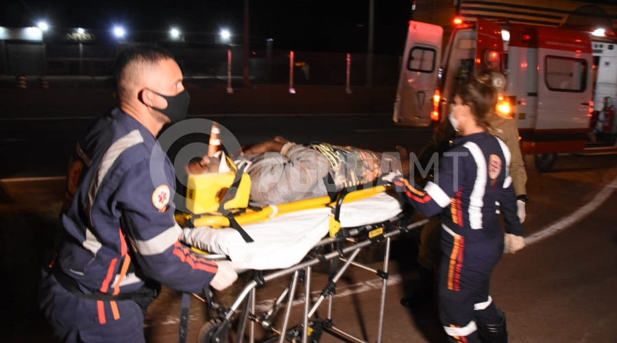 Imagem: ab325824 8b52 40bd 8a60 ad8a694ed1a1 Motociclistas ficam feridos após colisão na BR-364