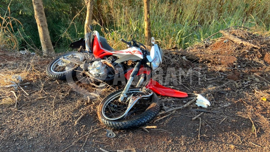Imagem: acidente mt358 moto tga Motociclista tem perna amputada e é socorrido em estado grave
