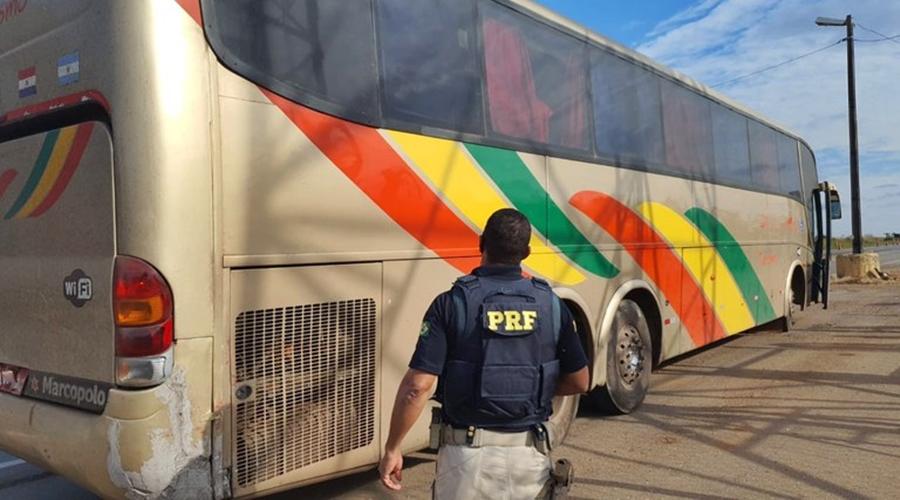 Imagem: ef828274 318c 4ee4 9dba ac1e2f57471a Ônibus clandestino é tirado de circulação pela PRF