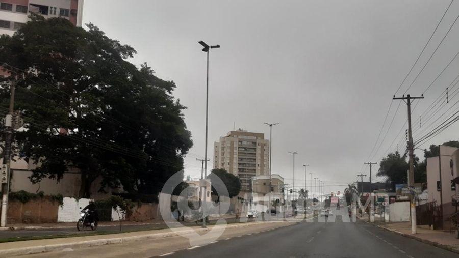 Imagem: frente fria cuiaba mt pedro couto Frente fria derruba temperatura em Cuiabá