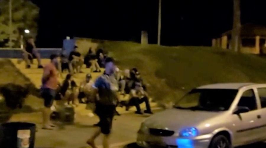 Imagem: guiratinga interna Trabalho integrado dispersa aglomeração e detém 21 pessoas