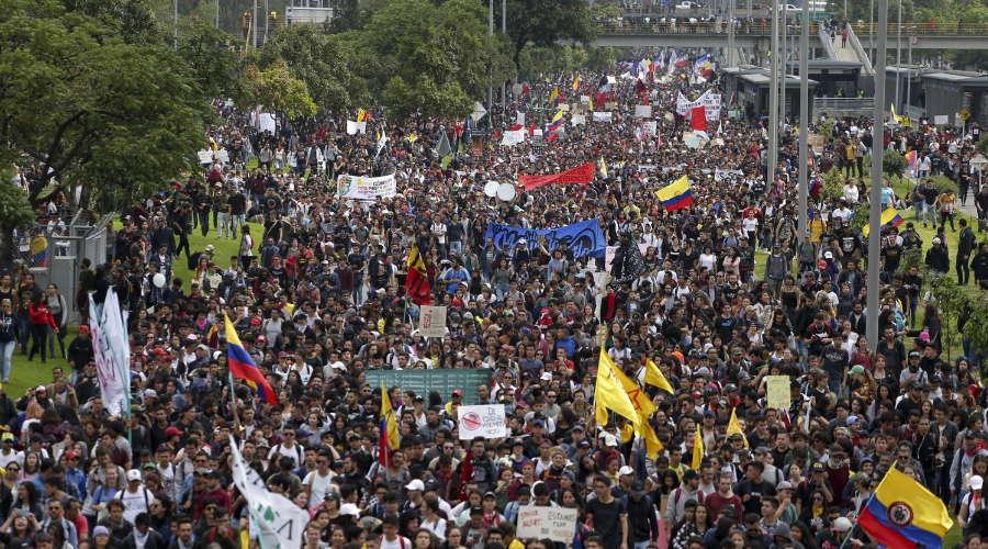 Imagem: protestos colombia Colômbia registra 19 mortes em protestos contra Reforma Tributária