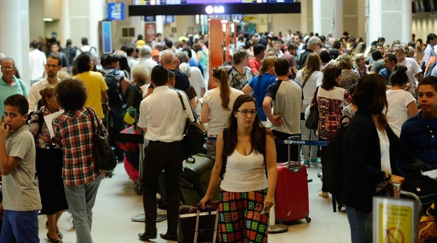 Imagem: 941530 aeroporto tng1734 Rio vacina quem trabalha em aeroportos e no porto