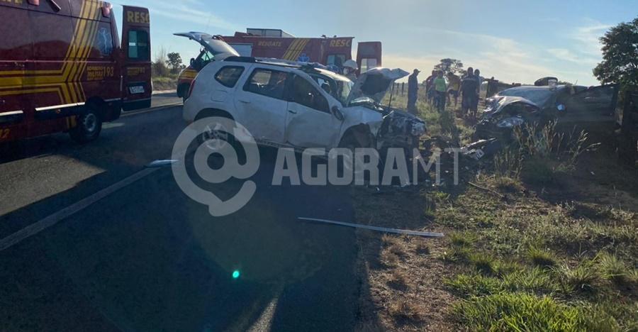 Imagem: Acidente na BR 070 em Barra do Garcas Cinco pessoas ficam feridas em acidente envolvendo dois veículos