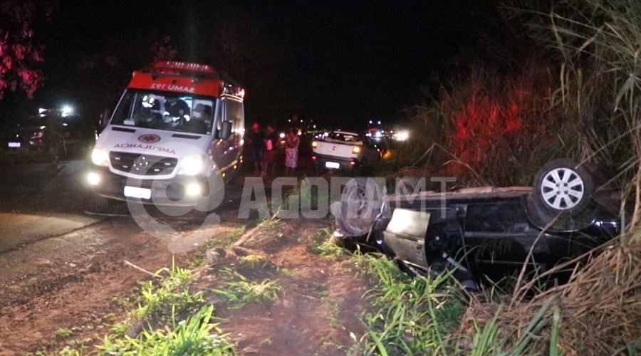 Imagem: Acidente no Anel Viario Conrado Sales Brito Moto sem iluminação causa acidente e carro capota no Anel Viário
