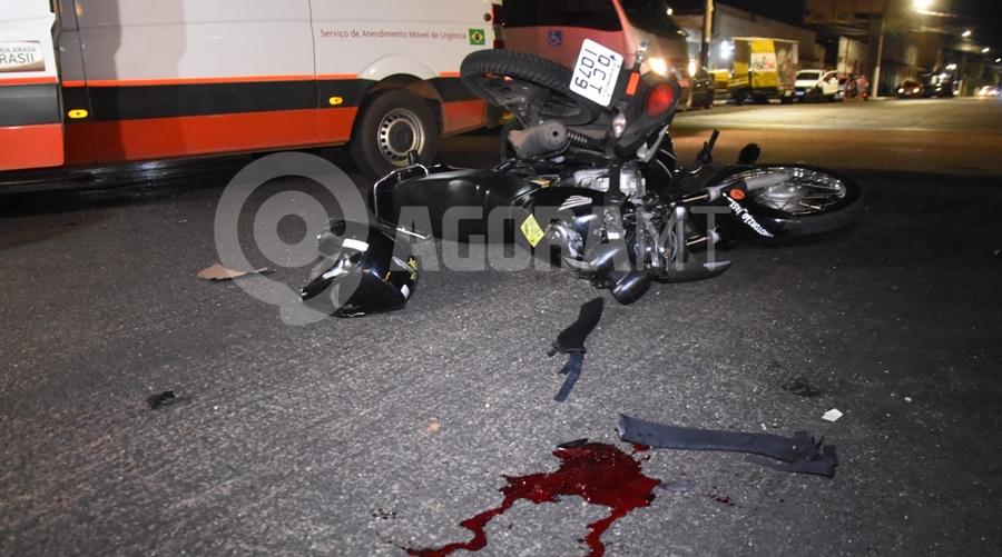 Imagem: Apos batida uma moto ficou em cima da outra Jovem que se envolveu em acidente está em coma na UTI e familiares pedem orações