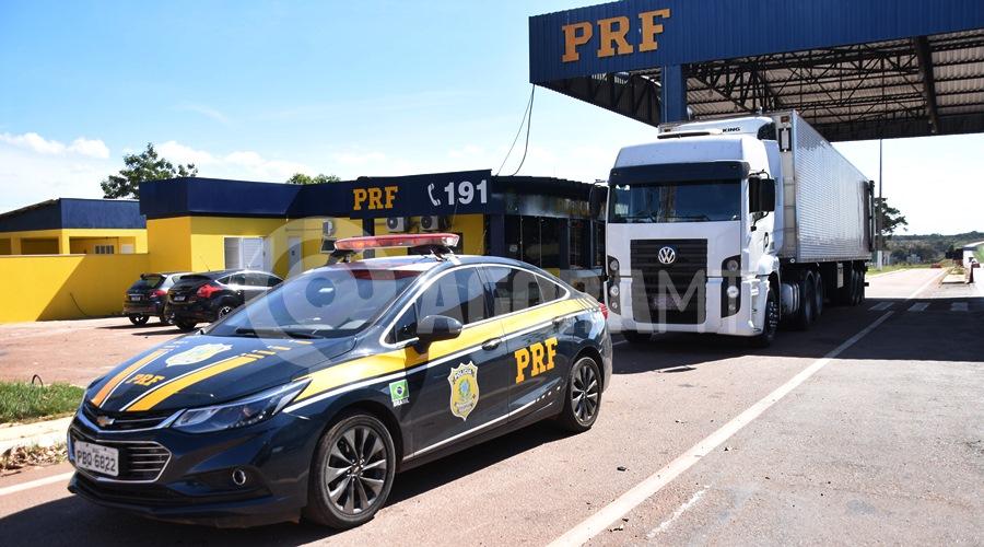 Imagem: Carreta apreendida no posto 201 em Rondonopolis PRF encontra 466 kg de drogas em câmara fria e faz apreensão recorde