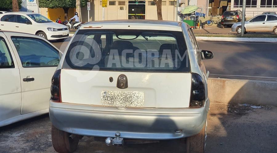 Imagem: Carro usado em homicidio e recuperado Suspeito de homicídio é preso e arma apreendida