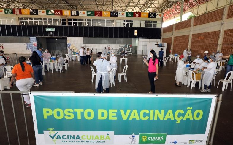 Imagem: Centro de Eventos Cuiabá reduz polos de vacinação contra Covid