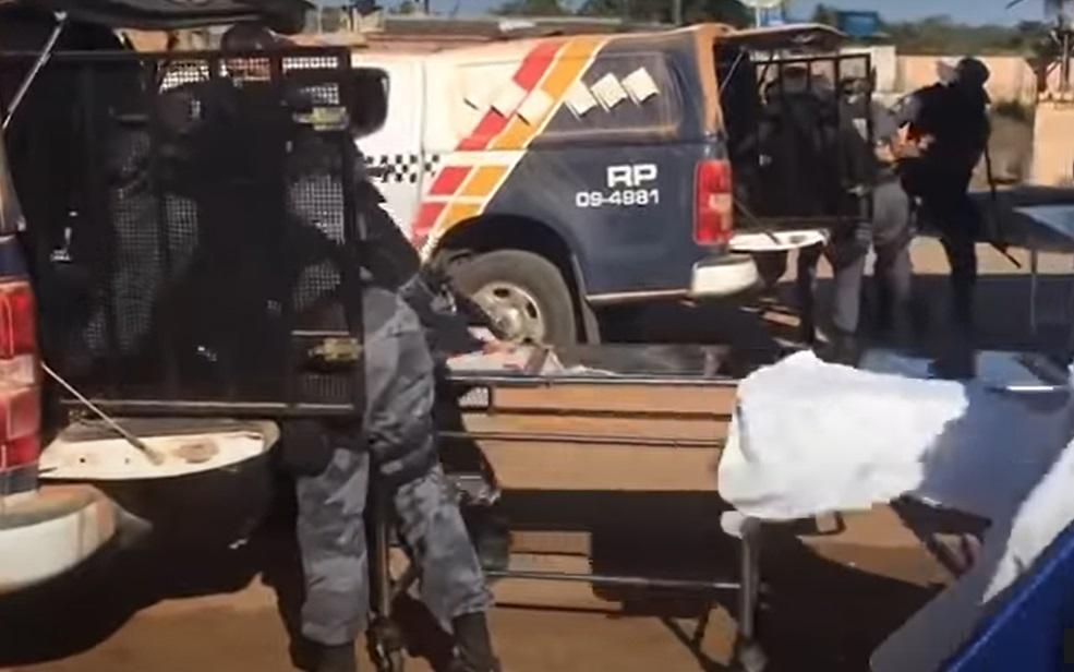 Imagem: Criminosos forca tatica Vídeo mostra supostos criminosos sendo levados a hospital; Imagens fortes