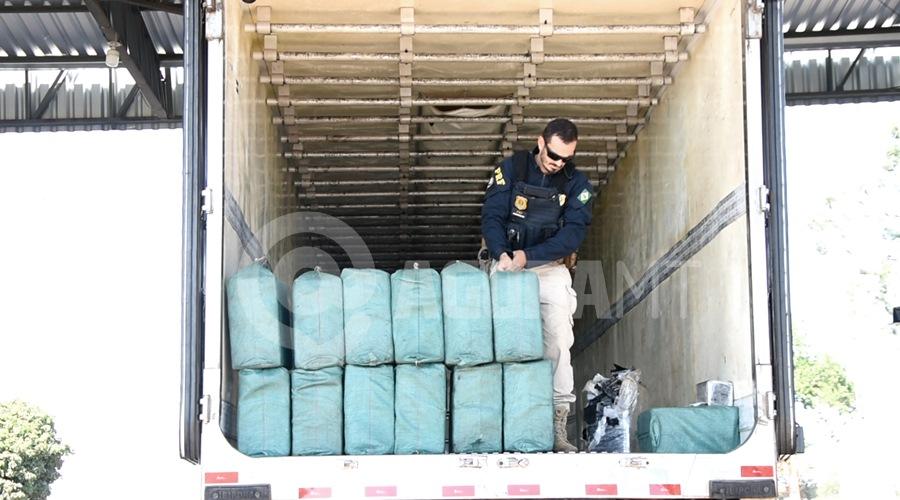 Imagem: Droga dentro do caminhao bau PRF encontra 466 kg de drogas em câmara fria e faz apreensão recorde