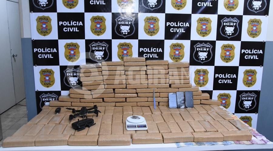 Imagem: Droga e dinheiro apreendido DERF causa prejuízo para o tráfico com grande apreensão de droga e suspeitos presos