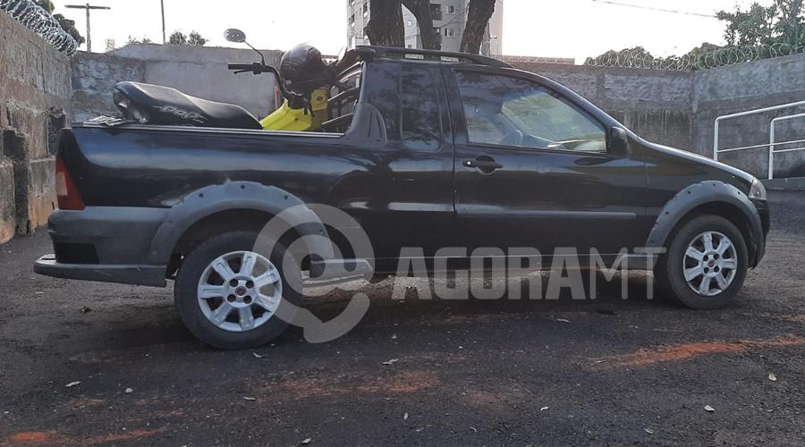 Imagem: Fiat Estrada recuperada pela PM PM age rápido, recupera carro roubado e prende suspeitos