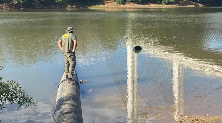 Imagem: Fiscalizacao Sema fiscaliza e notifica empresa que despejou efluentes no Rio Cuiabá