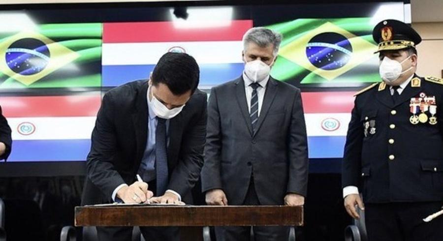 Imagem: Ministro do Paraguai e Brasil Autoridades do Paraguai e Brasil selam acordo para reforçar segurança na fronteira