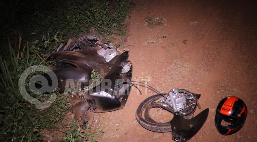 Imagem: Moto Bis envolvida na colisao Moto parte ao meio em acidente no Anel Viário e duas pessoas ficam gravemente feridas