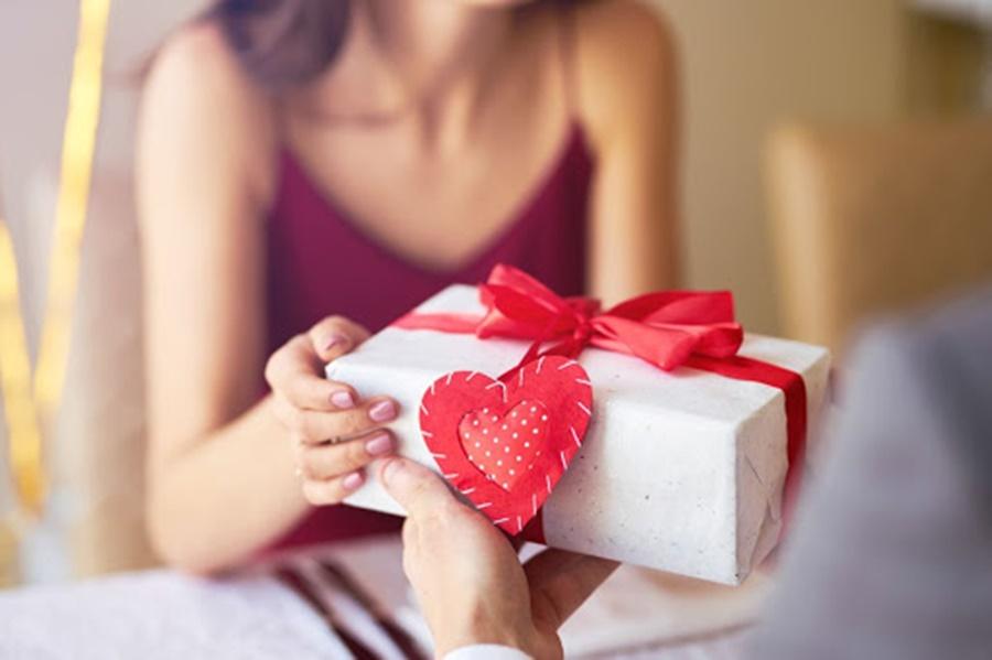 Imagem: Presente dos dias dos namorados Pesquisa da CDL demonstra intenção de consumo para o Dia dos Namorados