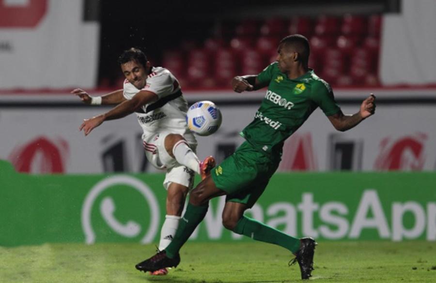 Imagem: Sao Paulo e Cuiaba São Paulo joga mal e fica no empate de 2 a 2 com o Cuiabá