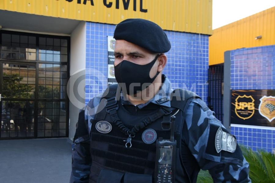 Imagem: Tenente Edimilson da Forca Tatica PM prende quatro indivíduos e tira droga e drone de circulação