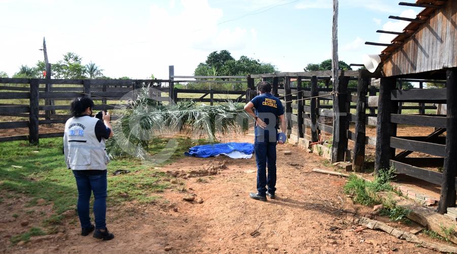 Imagem: Vitima encontrada sem vida em cural Sitiante é encontrado morto após ser chifrado e pisoteado por vaca