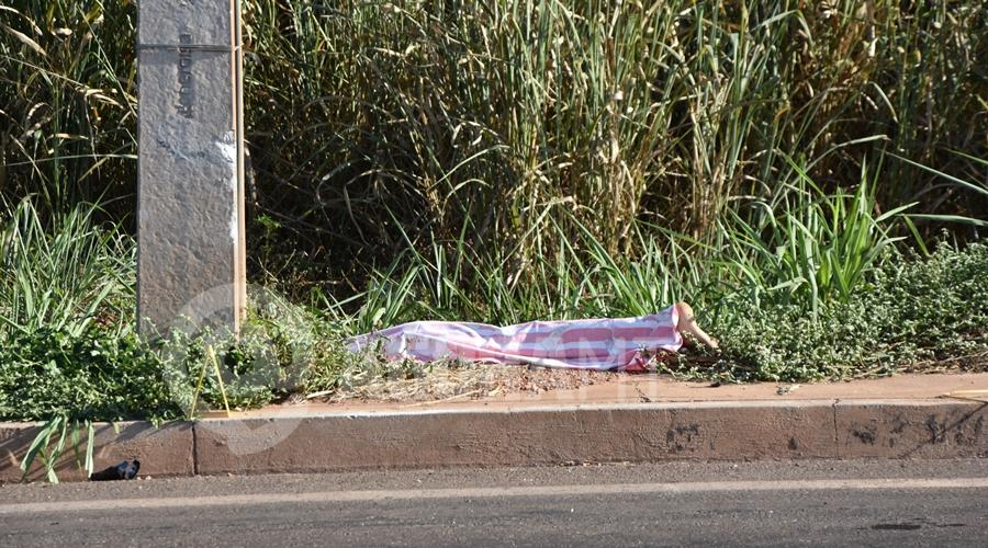 Imagem: Vitima fatal de acidente de transito Motociclista perde o controle, bate em poste e morre na BR-364