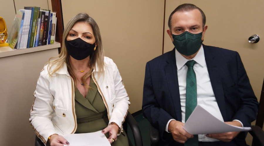 Imagem: Wellington relatora Deputados vão apreciar projeto para produção de vacinas contra Covid-19