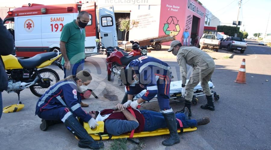 Imagem: acidente 2 Motociclista fica ferido após bater em carro no Jardim Santa Marta